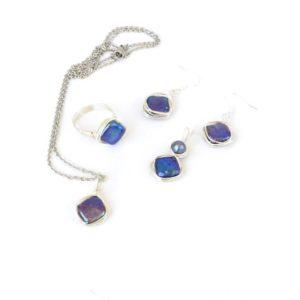 Set of blue diamond shaped pearl jewellery