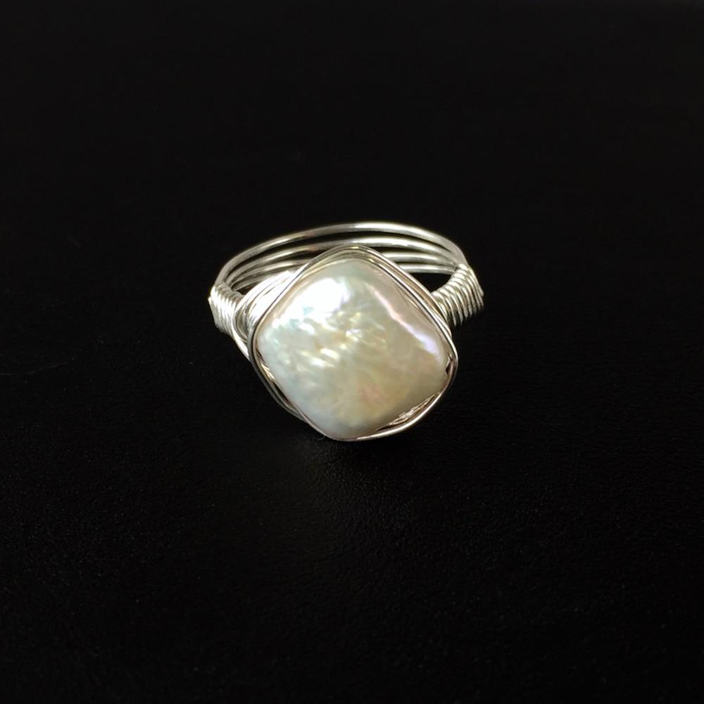 Ivory.Ring.DiamondFWPWWStSilver_BlackFront