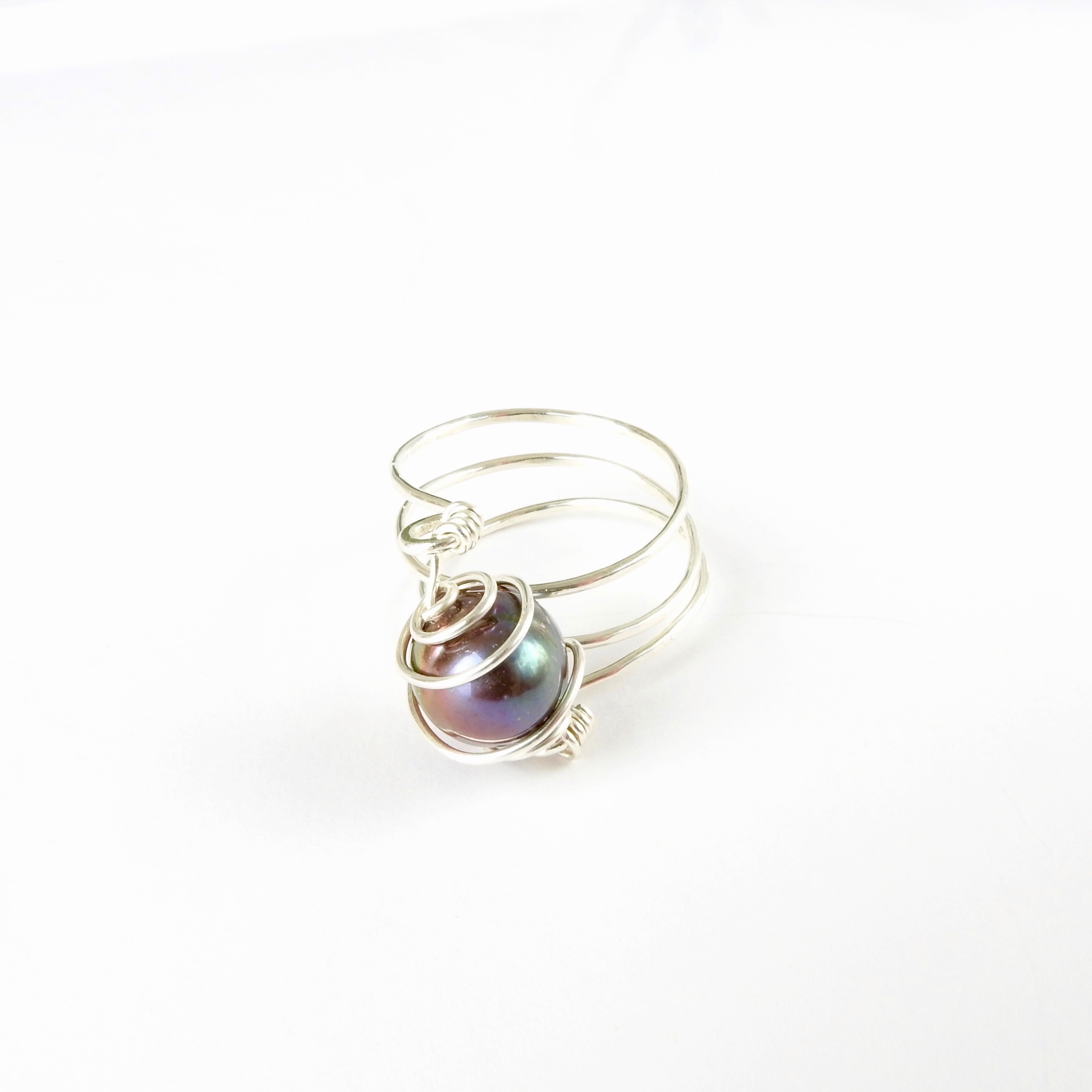 Ring.BlackFreshwaterPearlSterlingSpiralWrapped_Front
