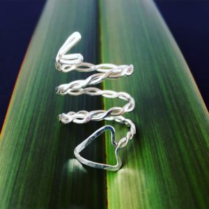 Later designs Twisted Arrow Layer Ring