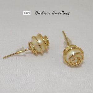 021_PearlGoldSpiralWrappedStud.Earrings