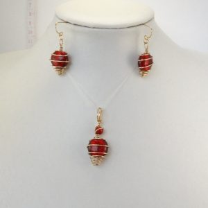 Spiral wrapped red set