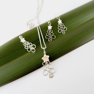 Wire Wrapped Christmas Jewellery including Brooch, Earrings and Necklace