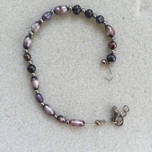 Broken Freshwater Rice Pearl Bracelet
