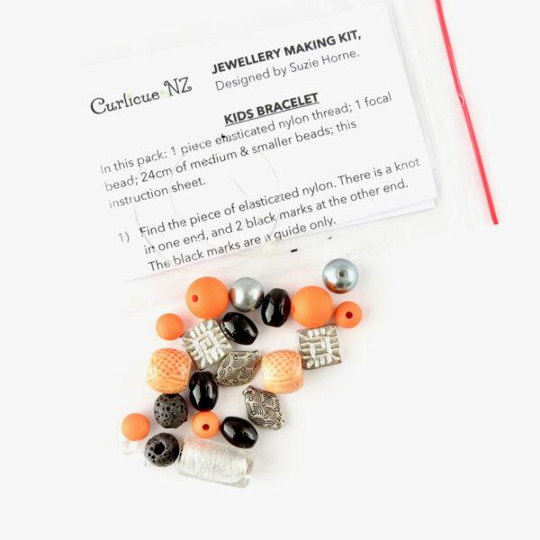 What you get inside the DIY Kids Bracelet Kit