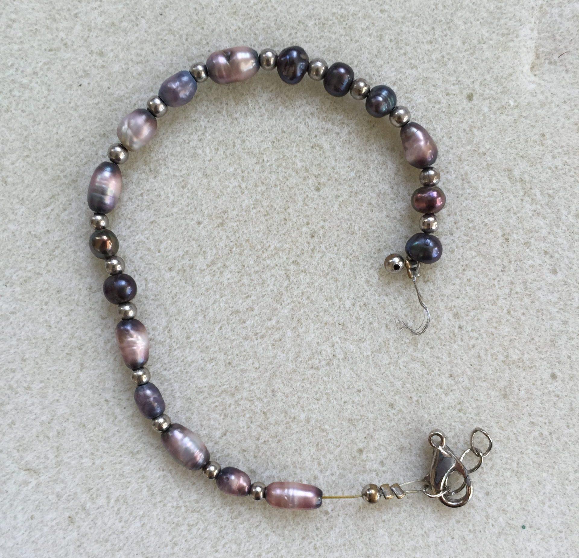 Broken rice pearl bracelet